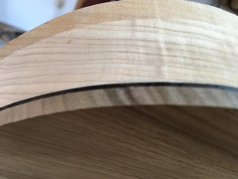 Holz-Schichtung am Body