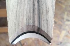 So sieht die Holz-Schichtung aus, wenn man sie schräg anschneidet