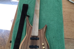 Fertiger Bass