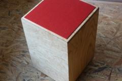 Cajon, Schlagfläche und Sitz