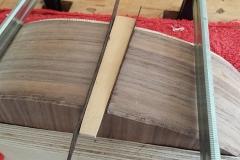 Cavaquinho bauen, Zierkeil an unteres Body-Ende angebracht