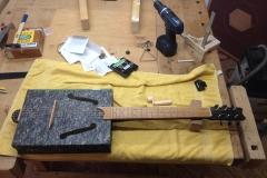 Cigarbox-Guitars, Archivbox-Gitarre fast fertig