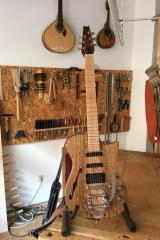 Hollow-Body-E-Gitarre, Gitarre fertig, Vorderseite
