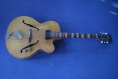 Jazzgitarre restaurieren, Originalzustand Vorderseite