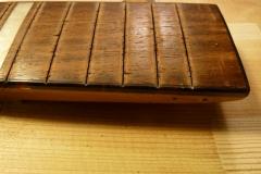 Jazzgitarre restaurieren, alte Bünde entfernen, Detail