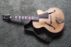 Jazzgitarre restaurieren, fertige Vorderseite