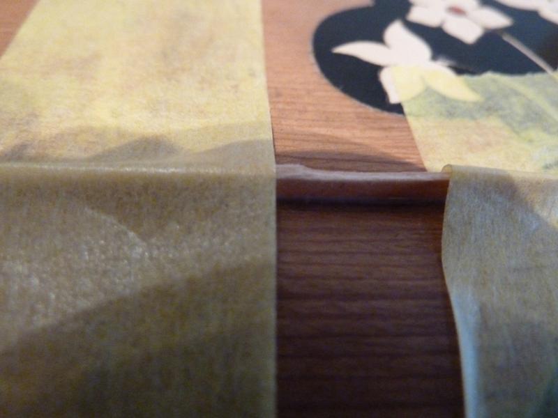Mandoline restaurieren, Span in Riss verleimen, Detail