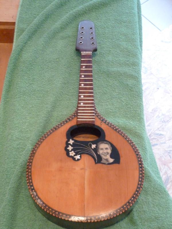Mandoline restaurieren, fertig polierte Vorderseite