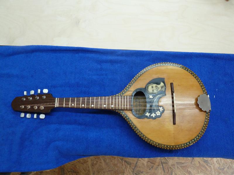 Mandoline restaurieren, fertig restauriert, Vorderseite