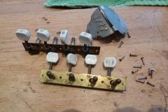 Mandoline restaurieren, demontierte Hardware