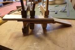 Ukulele bauen, Griffbrett auf Hals leimen