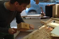 Cigarbox-Guitar, Aussparungen in den Hals arbeiten