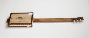 Cigarbox-Guitar, Rückseite